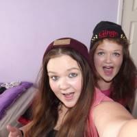 2 sisters rocking ginge